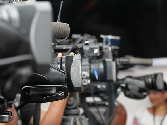 Baza: Из ВГТРК людей увольняют за выражение оппозиционных взглядов