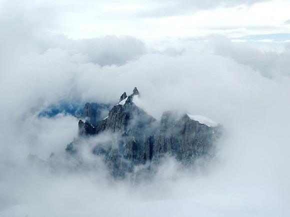 Число погибших на Эльбрусе альпинистов увеличилось до пяти человек