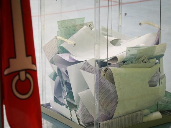 В петербургский ГИК пожаловались на неизвестных, которые в ночи перекладывали бумаги на избирательном участке