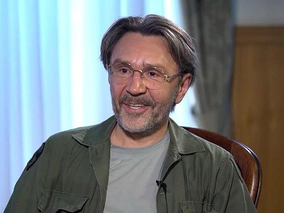 Исполнительница хита «Лабутены» обжаловала решение суда по иску к лидеру «Ленинграда»