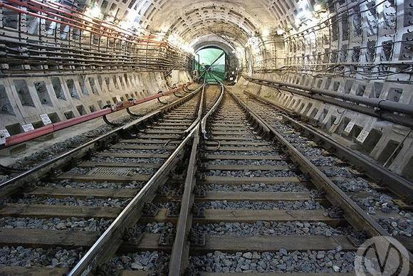 Сбой на красной ветке петербургского метро устранили