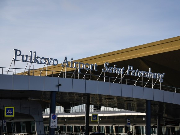 В России продолжают задерживать за попытки вылететь в Москву на встречу Навального