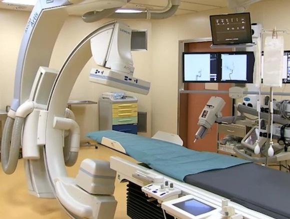 В райбольнице Серпухова загорелось помещение с оборудованием для томографов