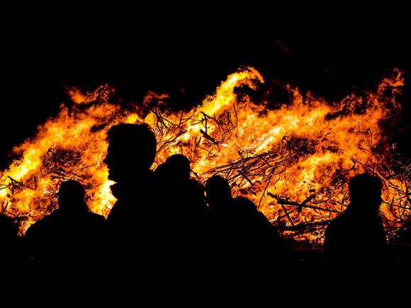 Генконсульство РФ в Анталье: Вопрос эвакуации отдыхающих из-за лесных пожаров не рассматривается
