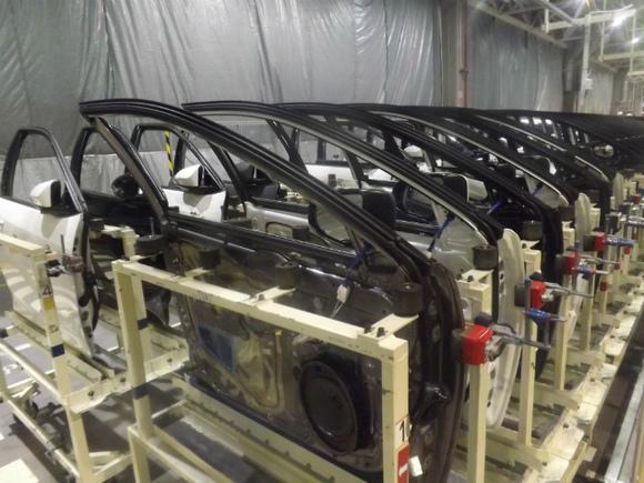 VW закроет большинство заводов вевропейских странах из-за коронавируса