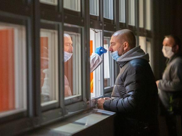 В Эстонии ввели новые ограничения из-за COVID-19: торговым центрам рекомендовано отключить Wi-Fi