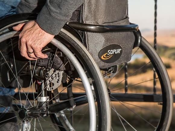 Благотворительные организации рассказали о сложностях с получением качественных технических средств реабилитации для людей с инвалидностью