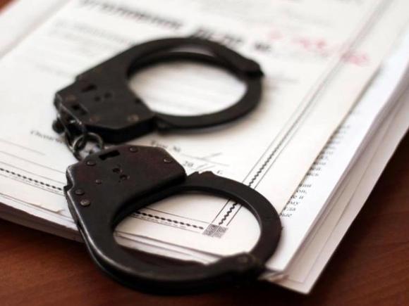 Попавшегося на краже экс-сотрудника петербургского ГСУ взяли под стражу