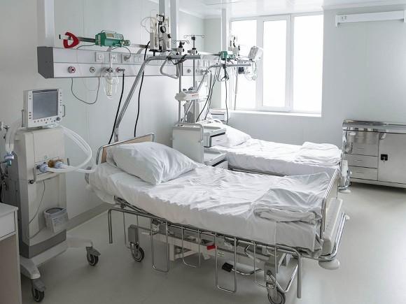 Пациент ковидного госпиталя в Ростове выпал из окна и разбился насмерть