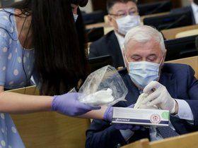 Наручники вместо помощи, Захарову нашла не та награда, а про бесплатные маски можно забыть