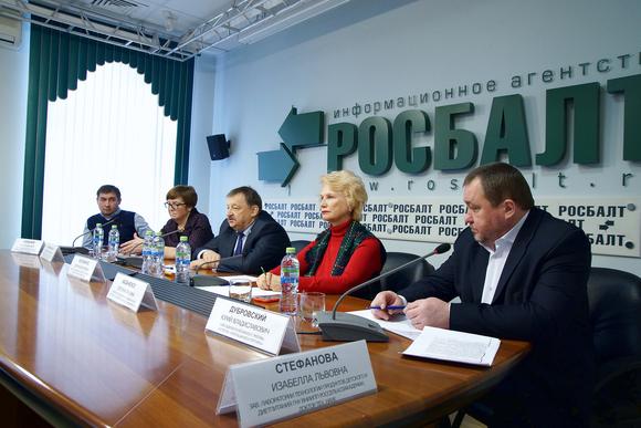 Безопасность детского питания в РФ контролируется еще слабо, считают эксперты