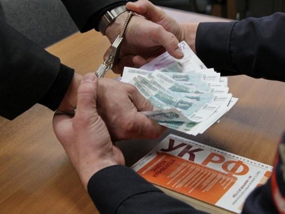 Якутского полицейского обвинили в вымогательстве взятки
