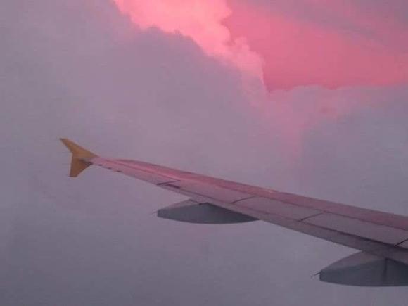 Пилоту самолета стало плохо: в Новосибирске экстренно сел лайнер, летевший в Токио