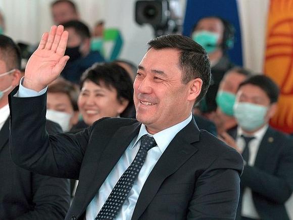 Президент Киргизии Жапаров подписал новую редакцию Конституции