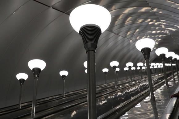 L4DwGpfv 580 - Причиной перебоев с поездами в метро Петербурга оказались зацеперы