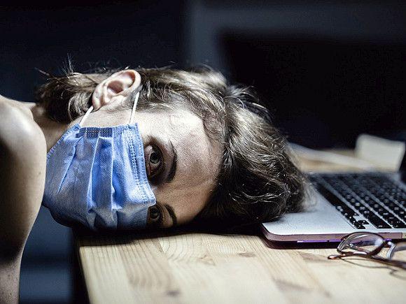 Эксперт: Недосып повышает риск заражения коронавирусом на 250%