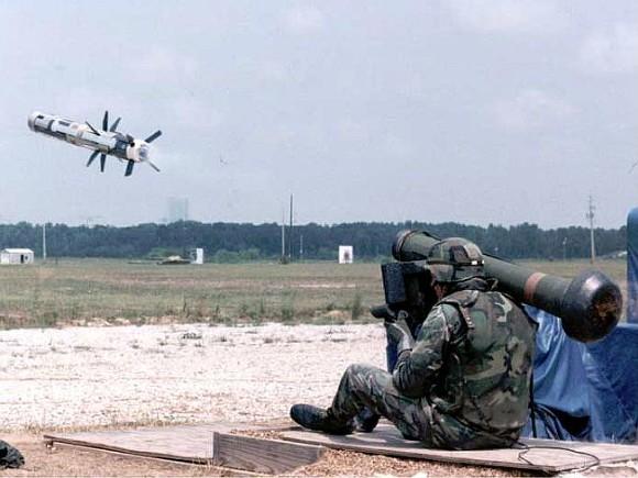 США включили в пакет военной помощи Украине противотанковые комплексы Javelin