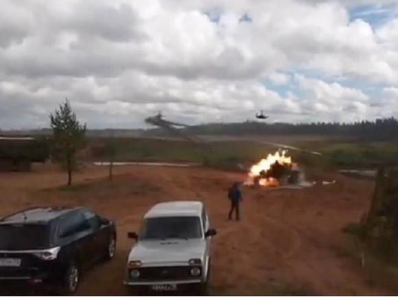 Вертоліт Мі-8 Міноборони РФ випадково дав залп по житловому будинку в Читі, ніхто не постраждав - Цензор.НЕТ 77