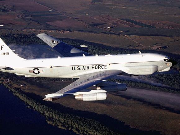 У границ РФ и Белоруссии несколько часов кружил военный самолет США