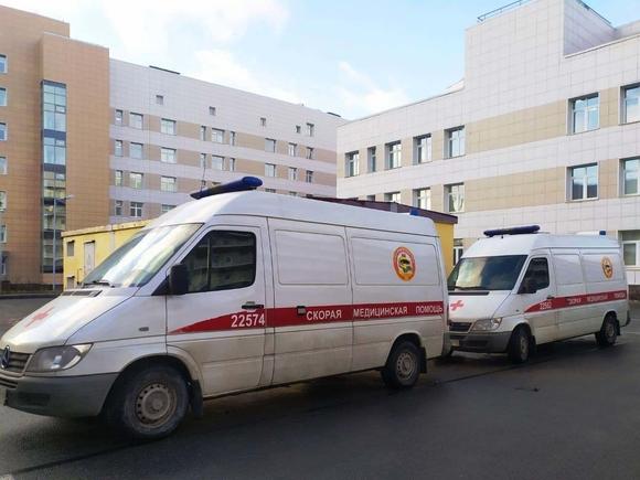 В Петербурге сбили женщину с ребенком, которые ехали на электросамокате