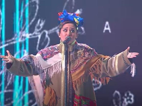 Манижа сменила наряд прямо на сцене «Евровидения» (видео)
