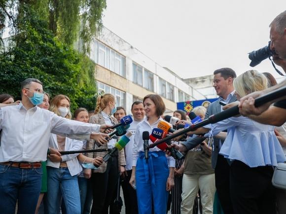 Санду призвала к восстановлению диалога Молдавии и России